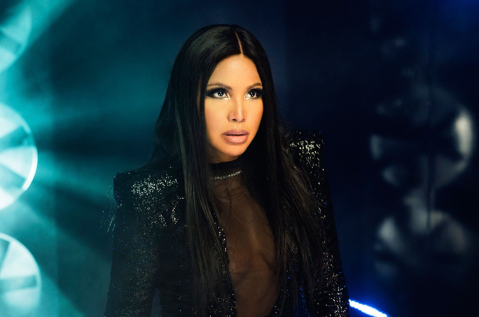 Toni Braxton Sends Love To Fans For Christmas – See Her Video