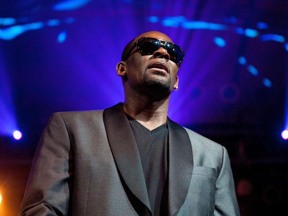 R. Kelly Releases Lyrics From 2011 Song 'Shut Up' On His IG – His First Post In 1 Year