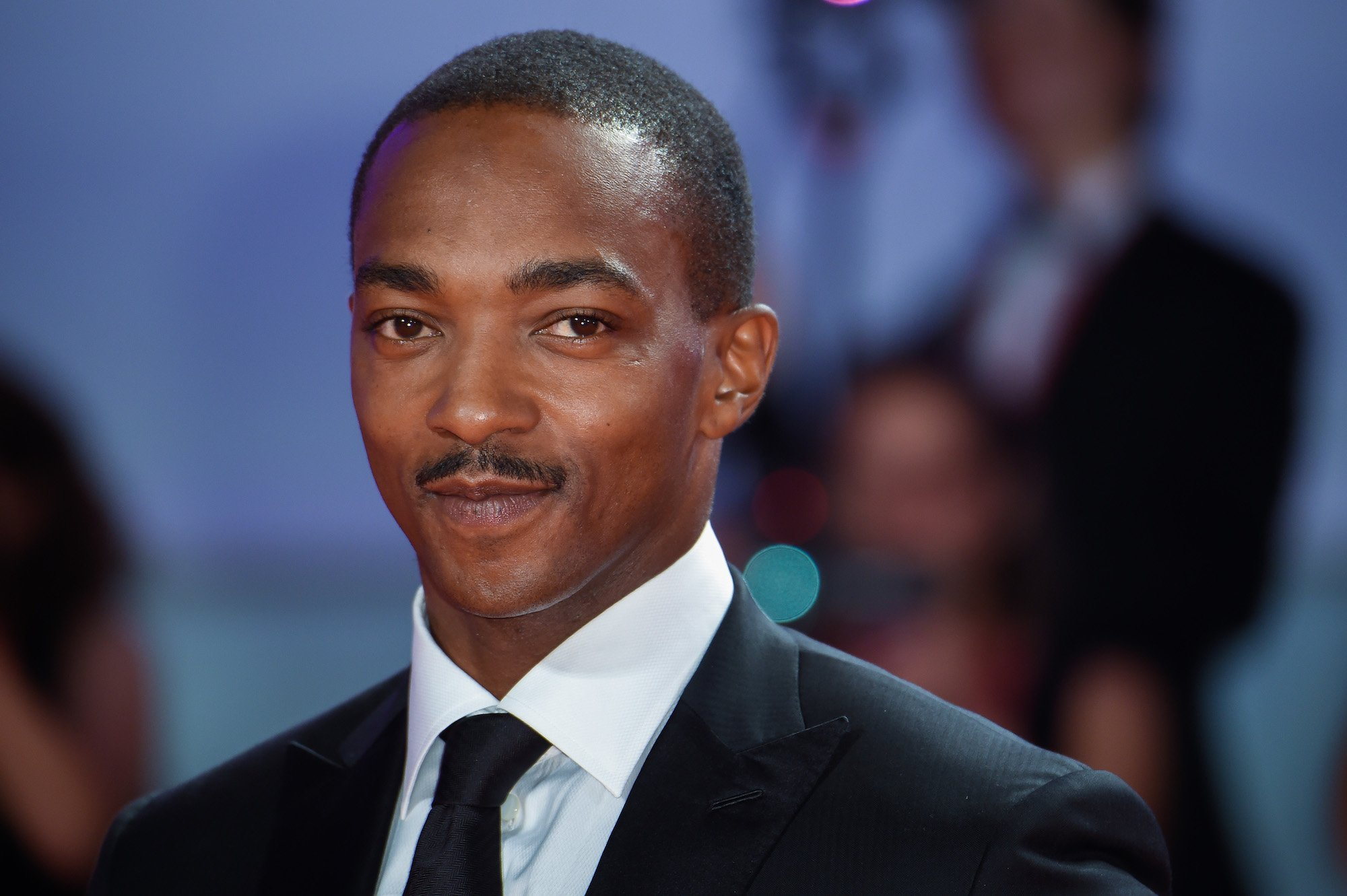 Anthony Mackie Comments On The Theory That He's The New Captain America – Video!
