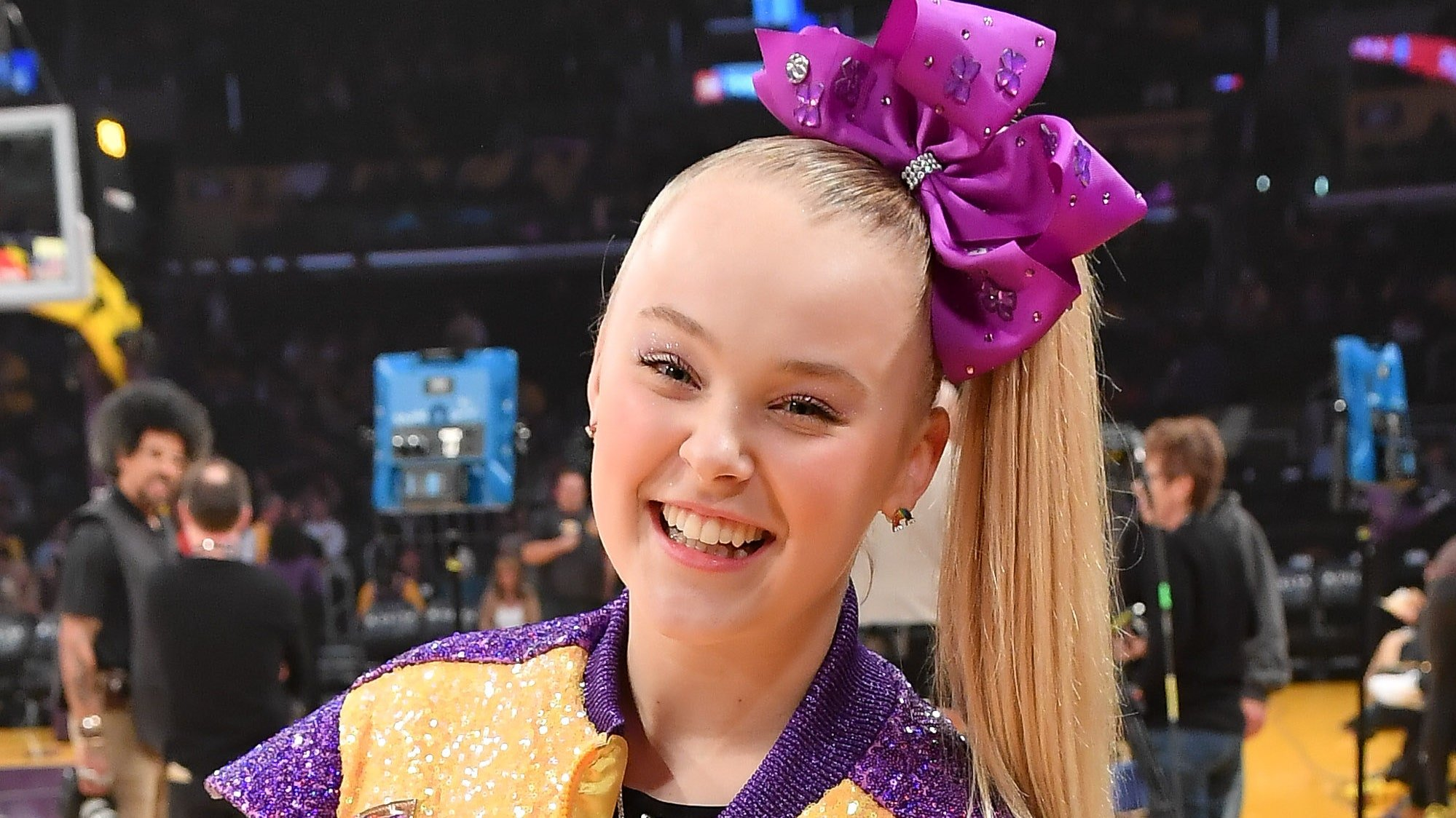 JoJo Siwa Comes Out In A Unique Way And Many Show Her Support!
