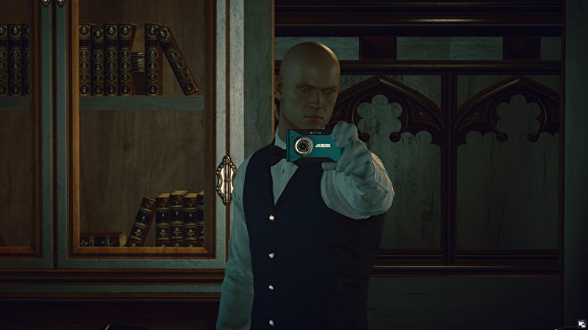 Agent 47 takes a mirror selfie dressed as a butler in Dartmoor.