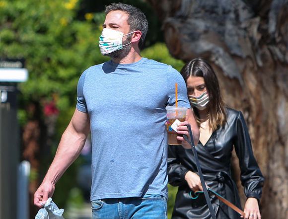 Ben Affleck and Ana De Armas in happier and buffer times
