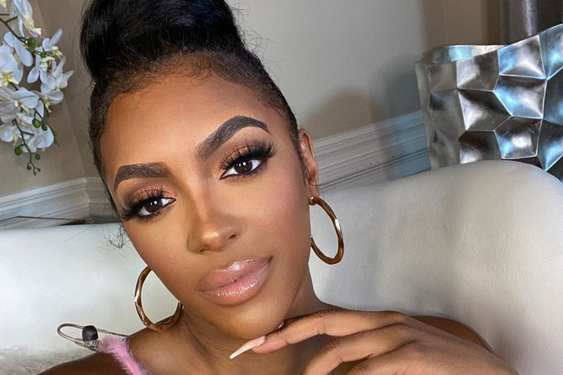 Porsha Williams Is Rocking Red Lingerie In This Photo And Fans Are In Awe
