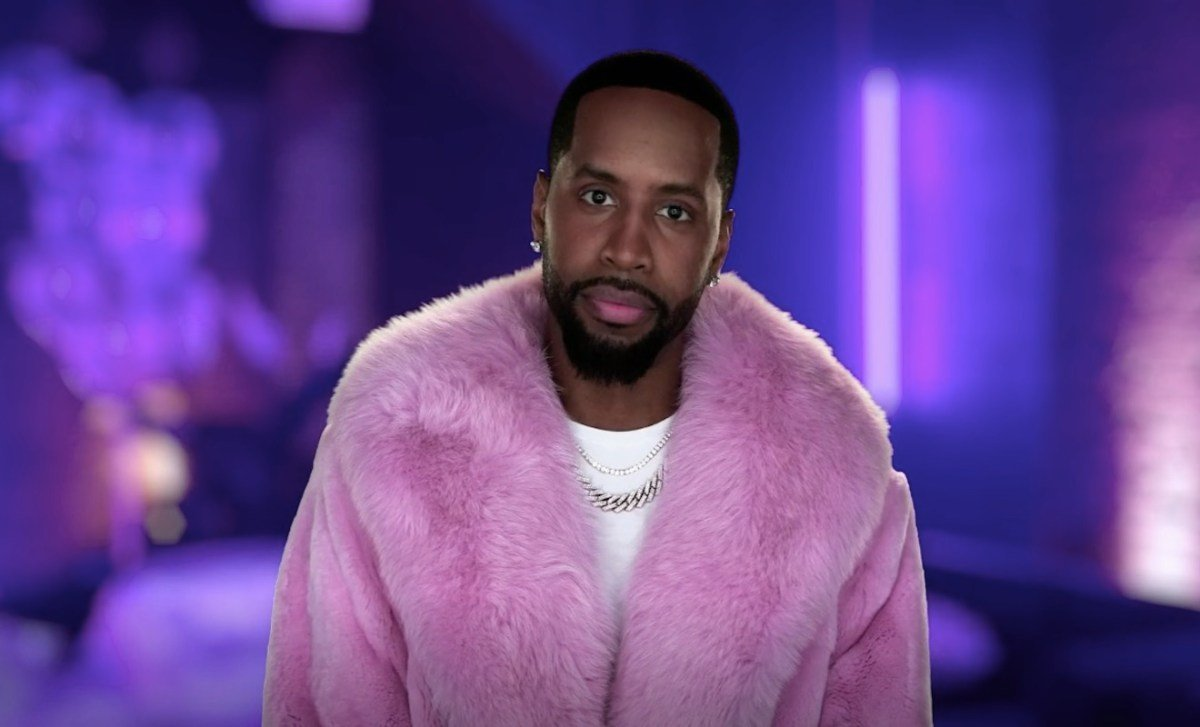 Safaree Is The Proudest Dad – Check Out His Daughter, Safire Majesty Walking Around!