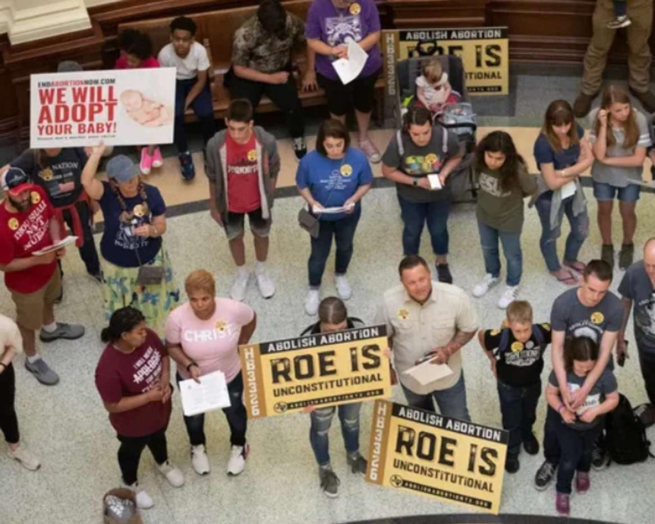 The Texas Senate has approved a ban on most abortions for Roe V. Wade.