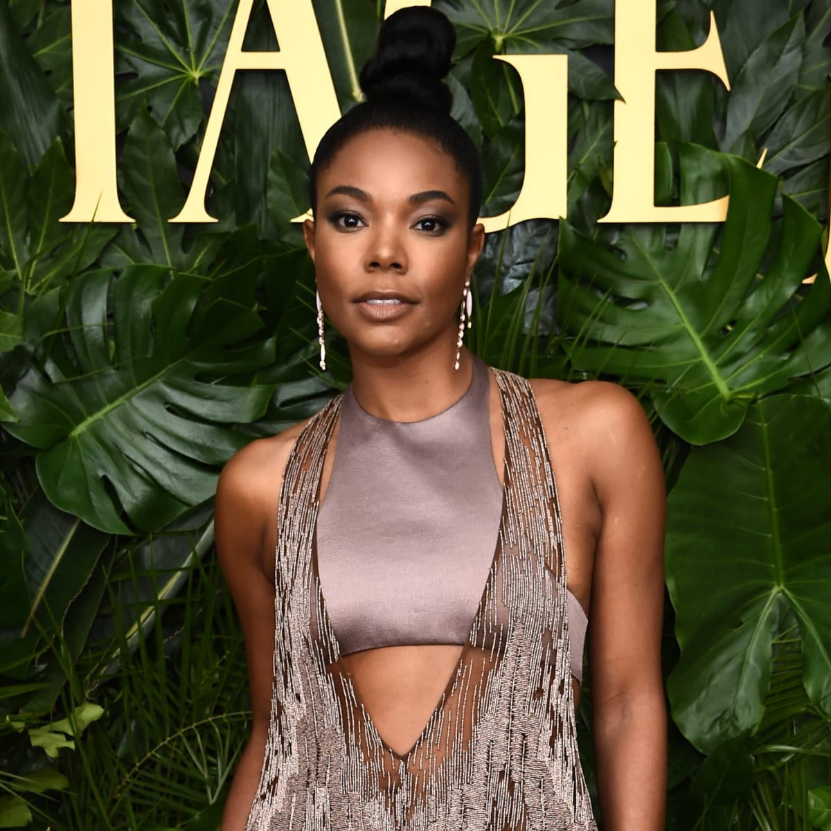 Gabrielle Union And Dwyane Wade Are Teaching Kaavia James How To Play Soccer