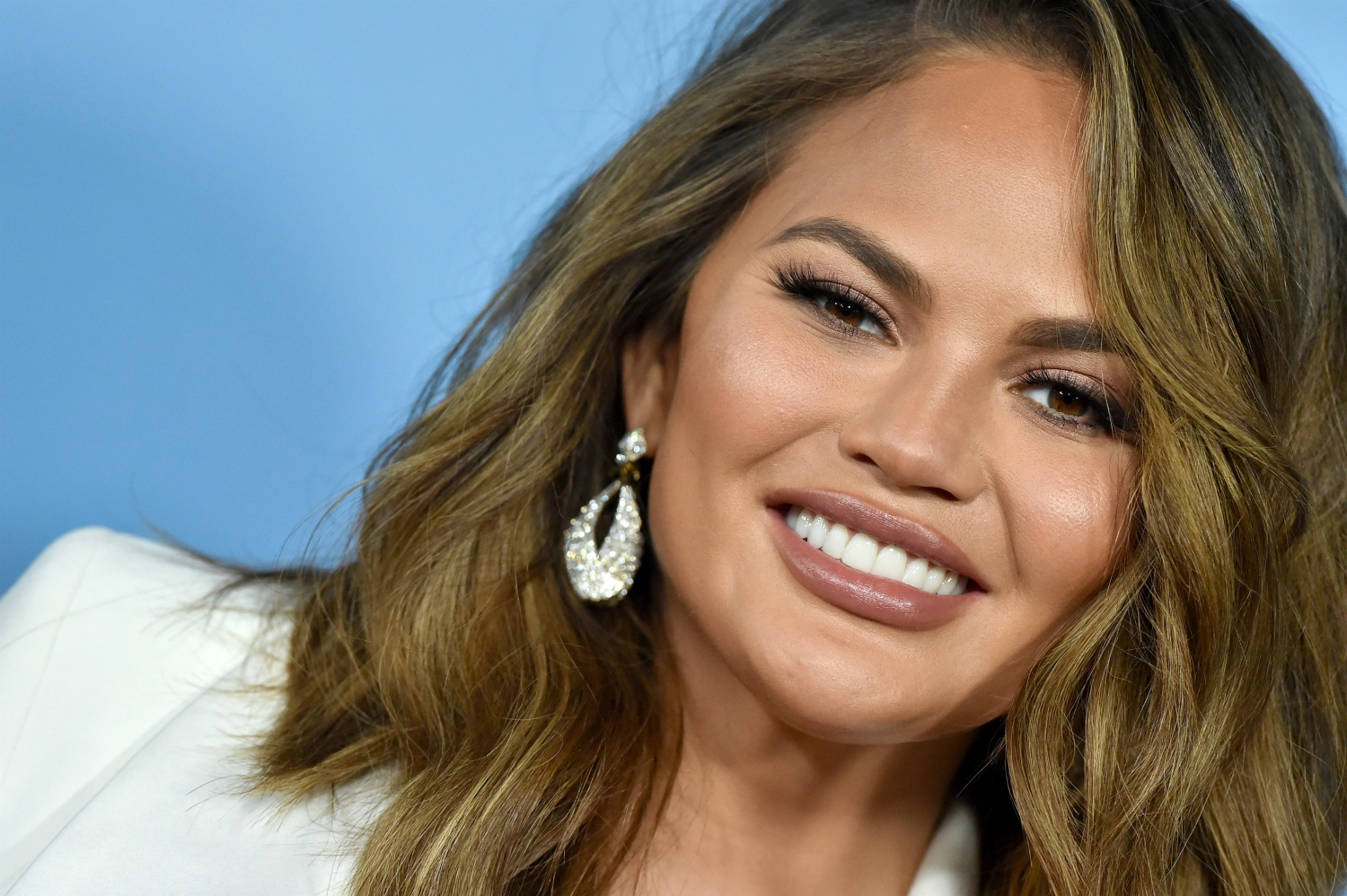 Chrissy Teigen Deletes Her Twitter – Check Out Her Final Message!