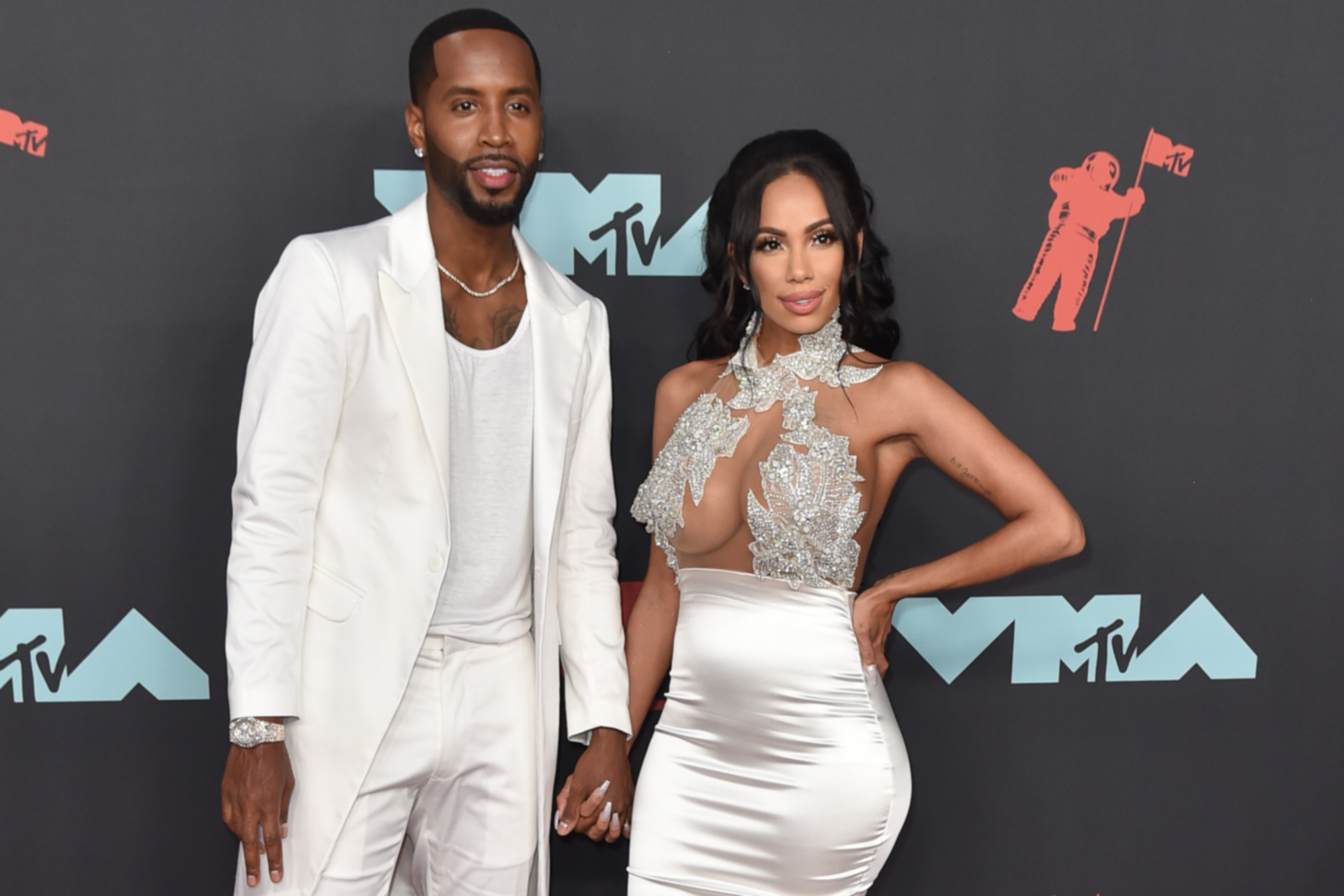 Erica Mena Flaunts Her Beach Body And Shows Off A Natural Glow