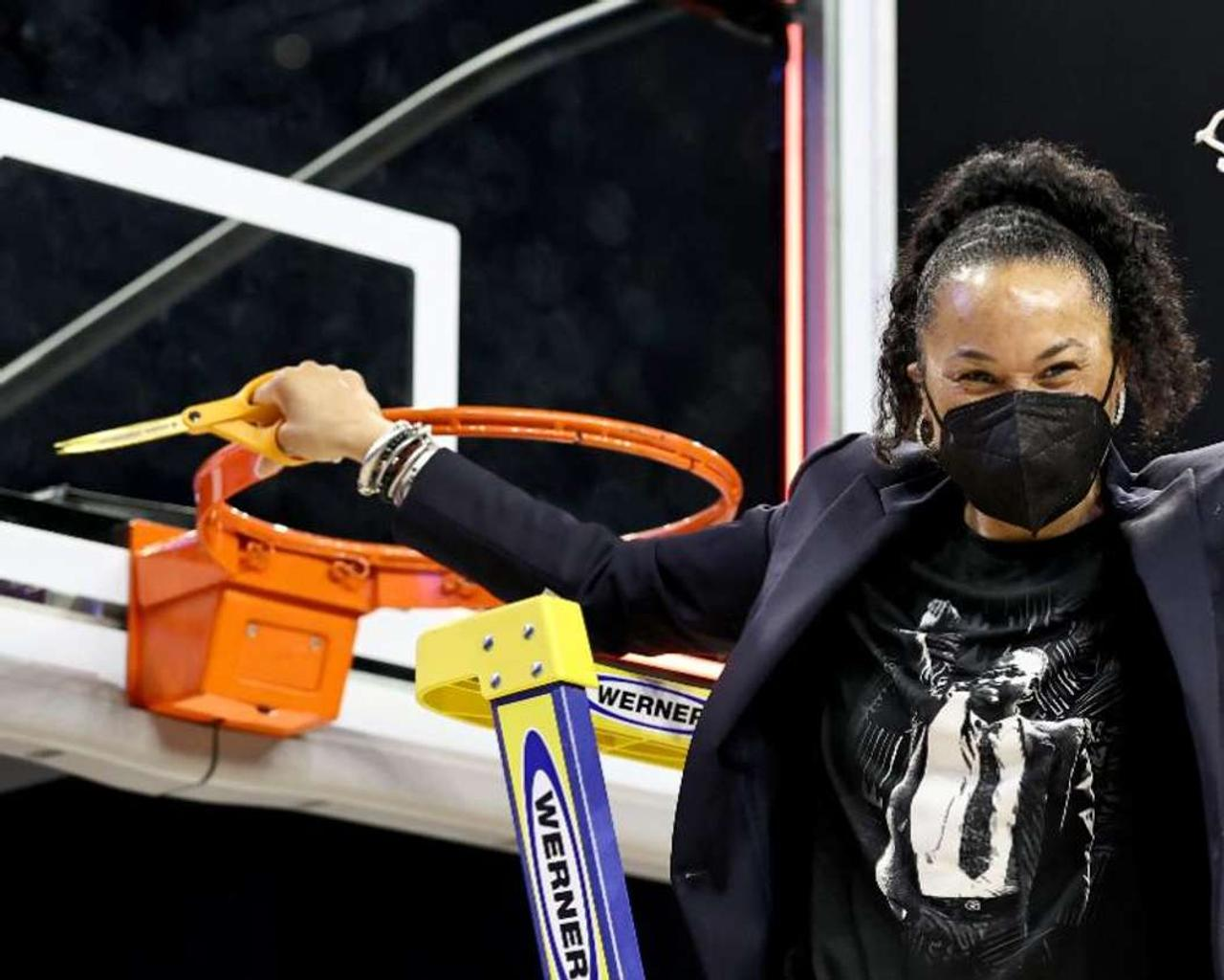 Two Black Women will be head coaches in the same Women's Final Four for the first time