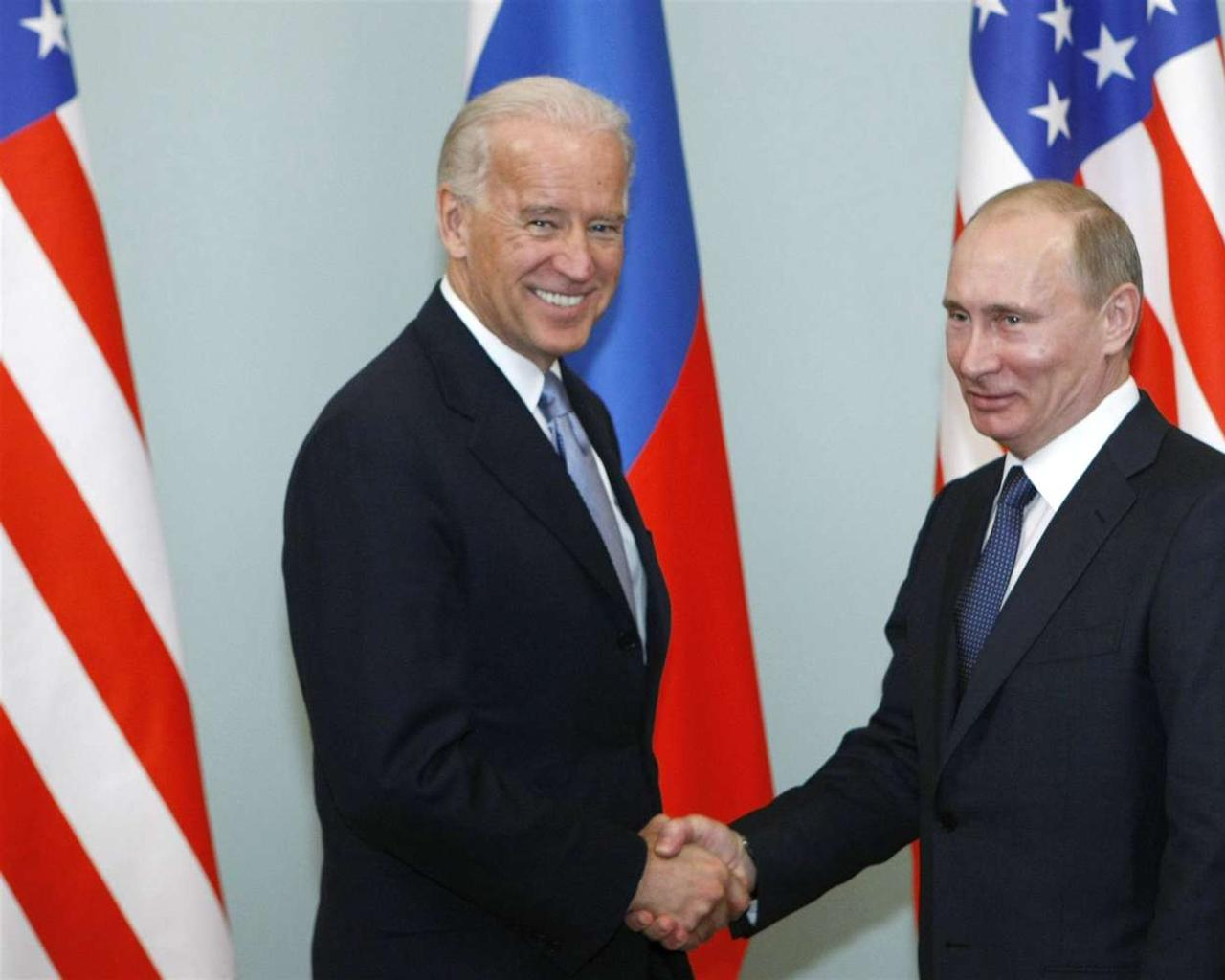 Biden proposes meeting Putin 'in a third country' amid Ukraine tensions
