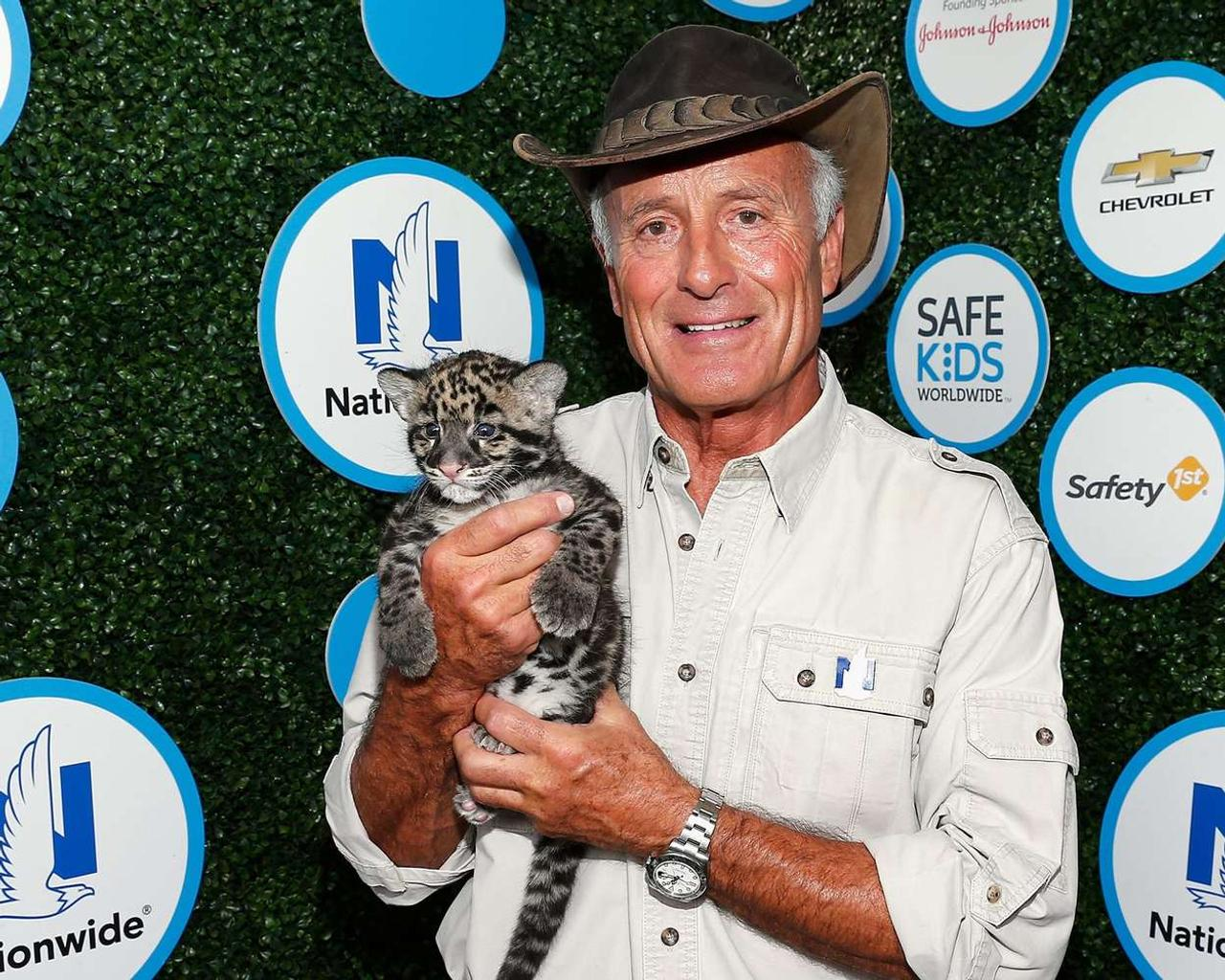 The beloved veterinarian Jack Hanna suffers from dementia, a step away from public health