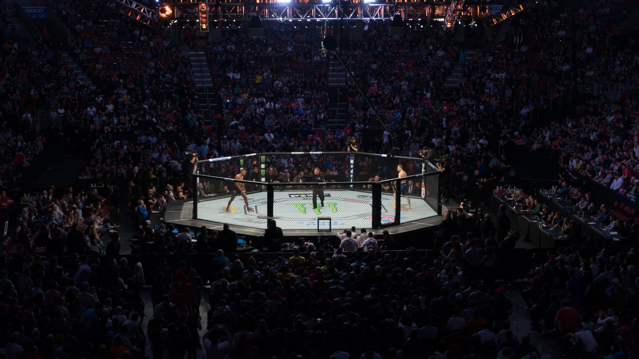 UFC on ESPN 22: Whittaker vs Gastelum Preview, Odds and Pick