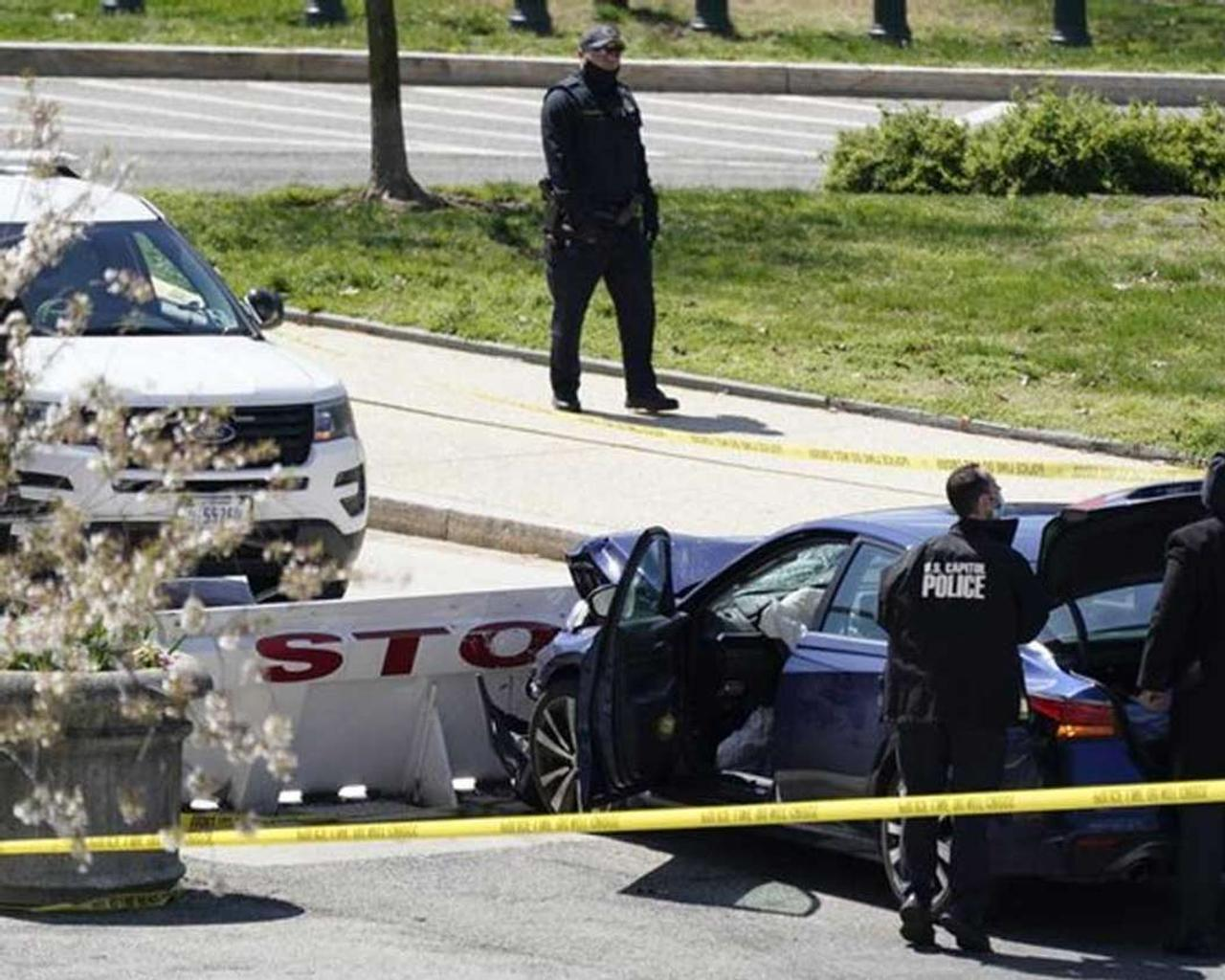 One police officer was killed and 1 was injured in a head-on collision during a roadblock outside the US Capitol